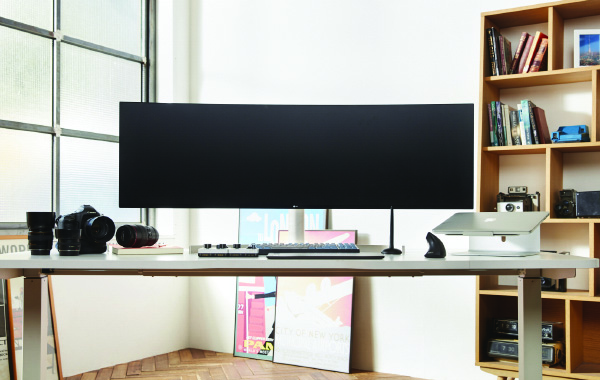 LG to officially unveil two new ultrawide monitors at CES 2019 (updated)
