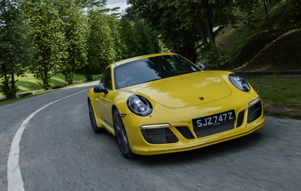 Weekend Drives: Porsche 911 Carrera T - T for terrific
