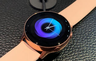Samsung Galaxy Watch Active in pictures
