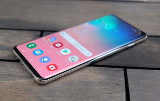 Samsung Galaxy S10 and S10+ telco price plan comparison