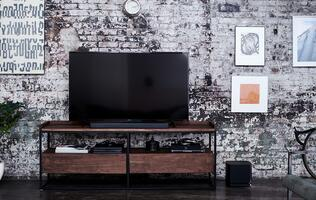 Get smart about home audio with the Bose Soundbar 500 & 700