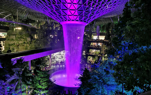 Best Jewel Changi photo spots and low light mobile photography tips! #HWZtechmeup