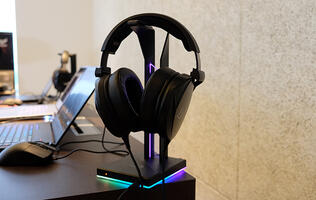 The ASUS ROG Theta Electret wants to be an audiophile-grade gaming headset