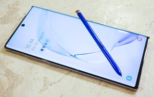 A feature on Samsung Galaxy Note10+ (512GB)