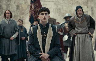Timothée Chalamet is Henry V in Netflix's The King