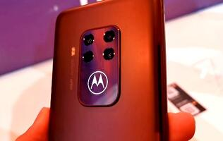 Motorola's new One Zoom smartphone first looks