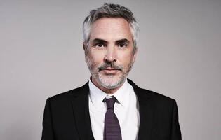 Alfonso Cuarón will create TV projects exclusively for Apple TV+