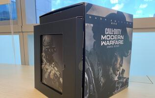 Unboxing the Call of Duty: Modern Warfare Dark Edition set!