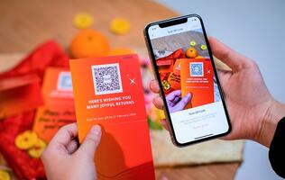 Singaporeans have given out almost S$2.7 million in DBS's digital red packets