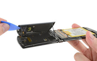 The Motorola Razr just got a repairability score of 1 from iFixit