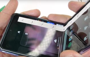 Durability test casts doubt on the Ultra-Thin Glass of the Galaxy Z Flip