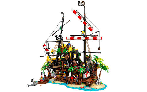 LEGO is bringing back an iconic pirate-themed playset in April