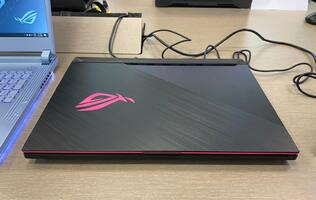 These are the new ASUS ROG gaming notebooks with 10th-gen Intel processors and NVIDIA RTX Super GPUs