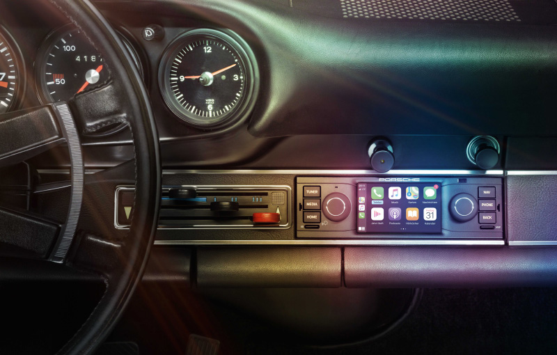Vintage Porsches can now be outfitted with CarPlay-compatible head units