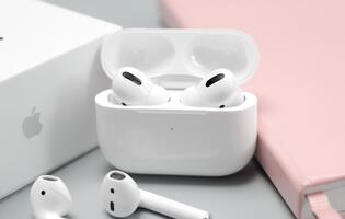 U.S. customs seized US$400k of counterfeit AirPods that were actually OnePlus Buds