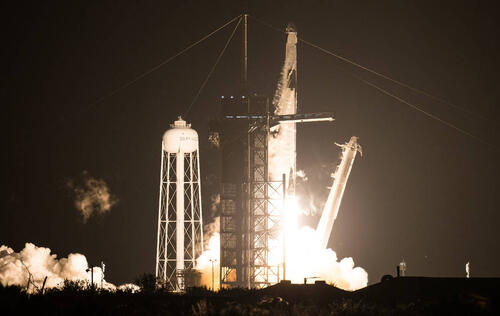 Image of article 'SpaceX successfully launches 4 astronauts to space aboard its Crew Dragon craft'