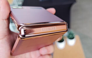 Samsung clinches top global smartphone sales in Q3 2020