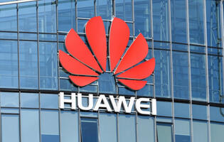 "Huawei plans to charge Apple and Samsung ""reasonable"" fees for 5G royalties"