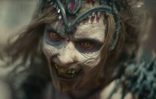 New trailer for Zack Snyder's Army of the Dead has heists and zombie tigers