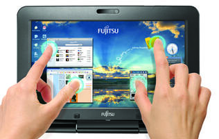 Fujitsu Unveil New SH530 and T580 LifeBooks